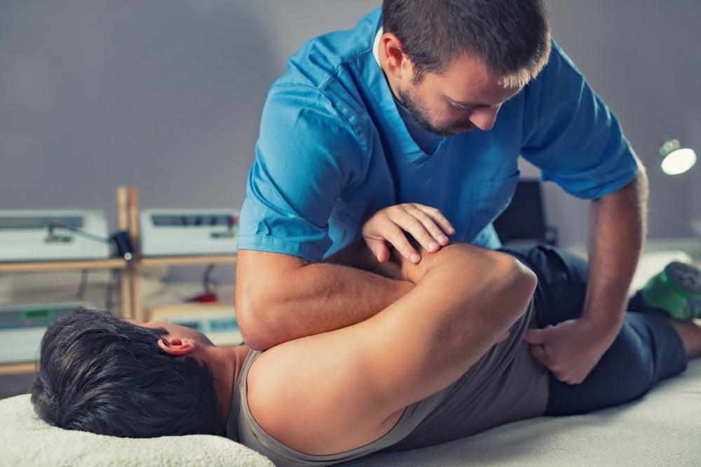 Fisioterapeuta atuando dentro do mercado de trabalho com Osteopatia